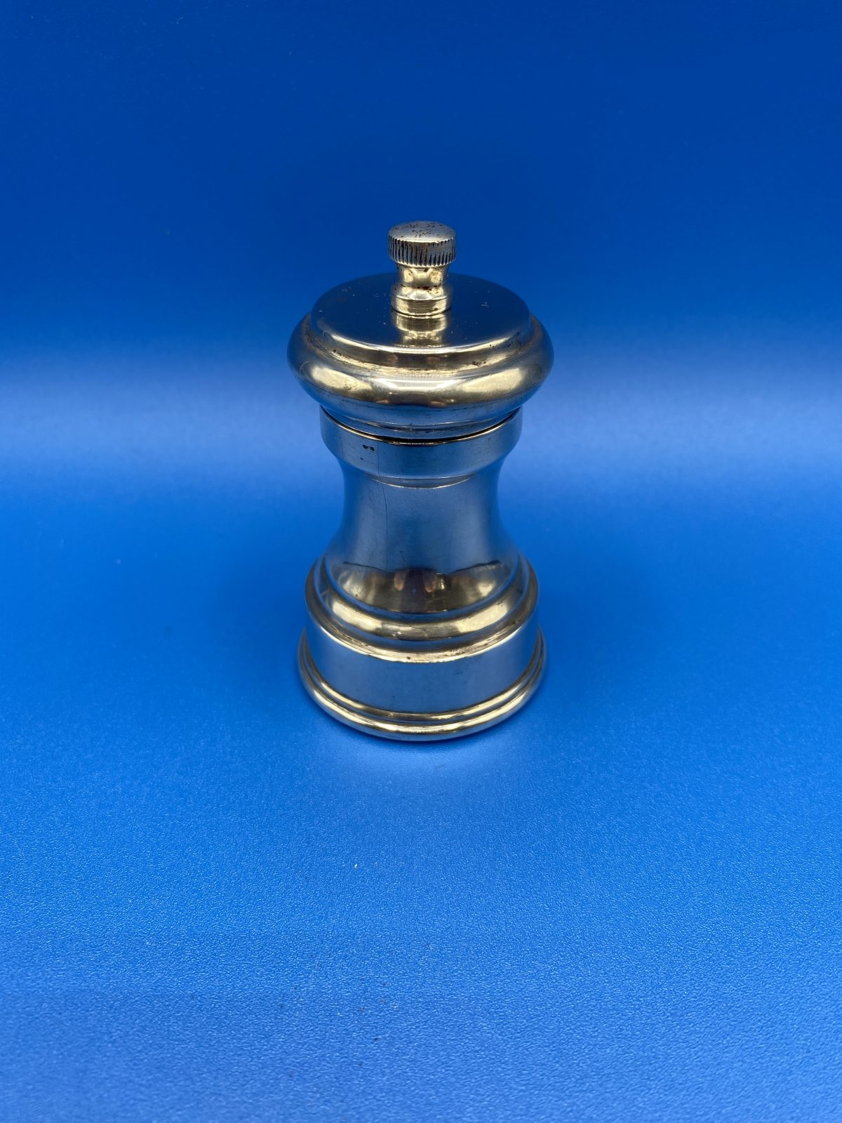 G3 - A Silver Plated Pepper Grinder  £28